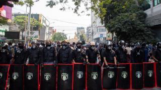 """Myanmar'da gözaltına alınan genç erkeklerin """"kaybolduğu"""" iddiası"""