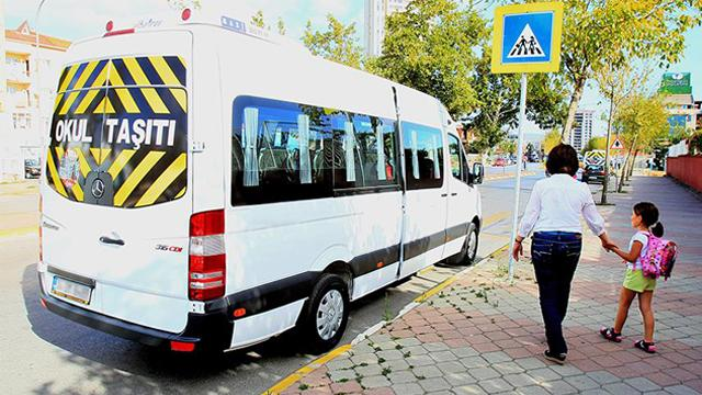 İstanbulda servis şoförleri aşıya koştu