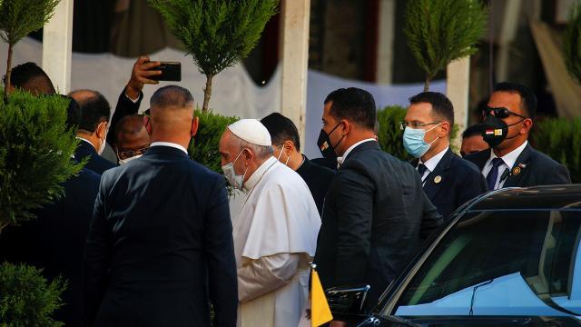 Papa Francisin Irak temasları sürüyor