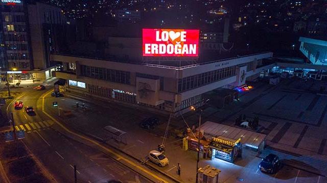 """Saraybosnadan """"Love Erdoğan"""" mesajı"""