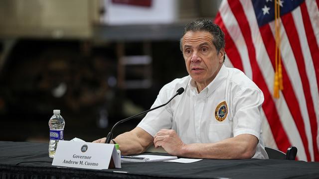 """New Yorklu Demokratlar """"taciz"""" ile suçlanan Vali Cuomoyu istifaya çağırdı"""