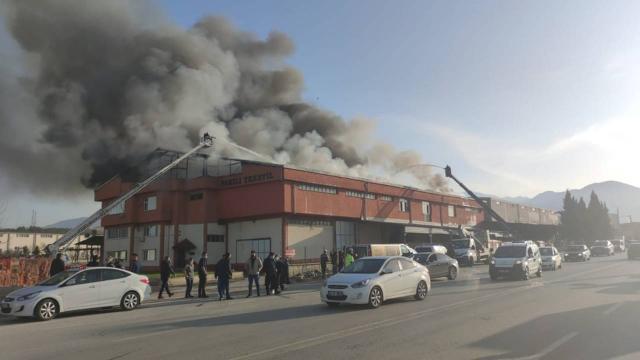 Denizlide tekstil fabrikasında yangın