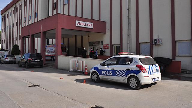 Antalyada eşini ve oğlunu bıçaklayan kişi polise teslim oldu
