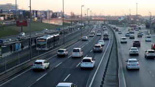 Kısıtlama sona erdi, İstanbul'da trafik yoğunluğu yüzde 72'ye ulaştı