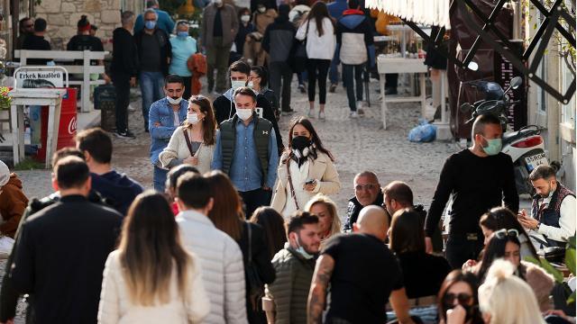 İzmirde tam kapanma denetimleri: 14 bin kişiye 34 milyon lira ceza