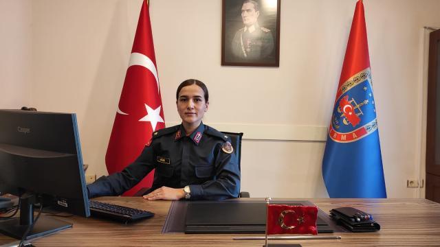 Çocukluk hayaliydi şimdi İstanbulun tek kadın Jandarma Karakol Komutanı...