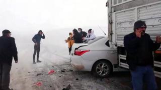 Tendürek Dağı geçidinde zincirleme kaza: 1 yaralı