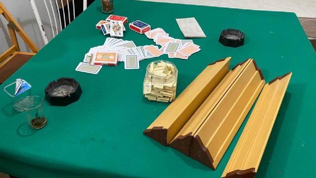 Antalyada kumar oynayan ve Covid-19 tedbirlerini ihlal eden 11 kişiye para cezası kesildi