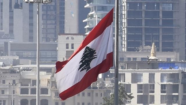 Lübnanda ilaç krizi: Eczaneler protesto için kepenk indirdi