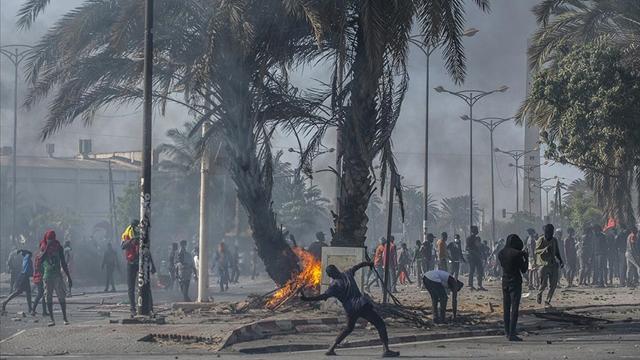 Nijeryada sokağa çıkma yasağı