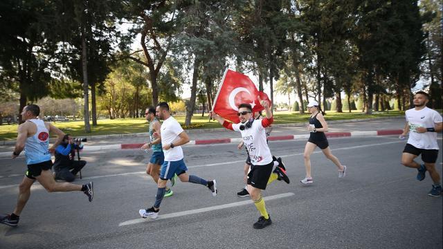 Runatolia Maratonunda 3 bin 500 kişi yarıştı