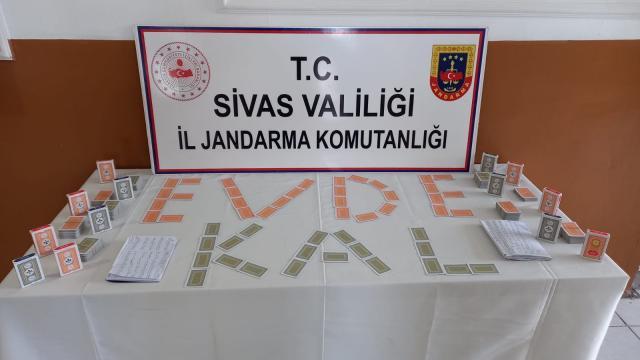 Sivasta çiftlik evinde kumar oynayan 11 kişiye 48 bin 950 lira ceza