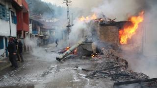 Tokat'ta yangın: 6 ev kullanılmaz hale geldi