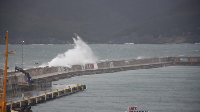 Doğu Akdeniz için fırtına uyarısı yapıldı