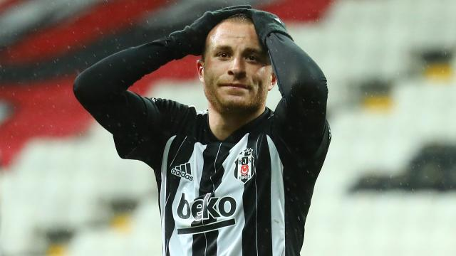 Beşiktaşta Gökhan Töre sakatlandı