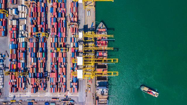 Dış ticaret açığı 3,1 milyar dolara geriledi