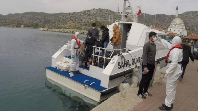 Tekirdağda 5 kişilik araçta 15 sığınmacı yakalandı