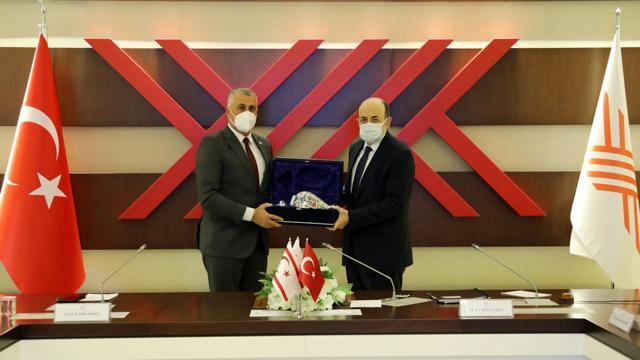 KKTC Milli Eğitim ve Kültür Bakanı Amcaoğlundan YÖK Başkanı Saraça ziyaret