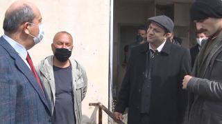 """Ersin Tatar'dan """"Bir Zamanlar Kıbrıs"""" dizisinin setine ziyaret"""