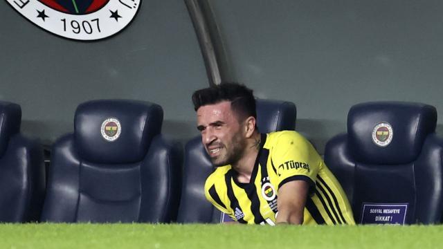 Fenerbahçeye Gökhan Gönülden kötü haber