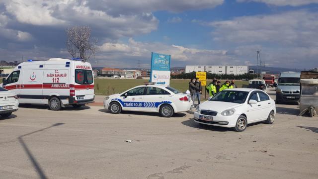 İnegölde kamyonet ile hafif ticari araç çarpıştı: 1 yaralı