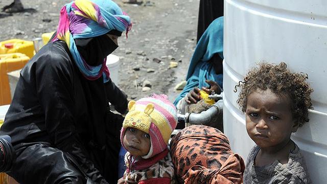 Açlık ile boğuşan Yemende COVID-19 hızla yayılıyor