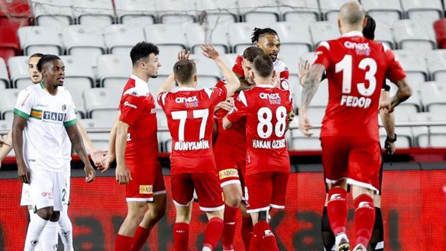 Antalyaspor Türkiye Kupasında finalde