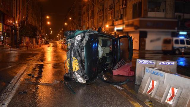 Kaza yapan araç yan yattı, sürücünün burnu bile kanamadı