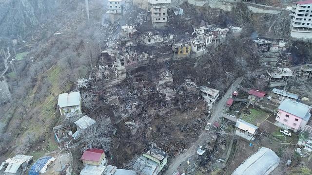 Artvinde yangının verdiği hasar gün ağarınca ortaya çıktı