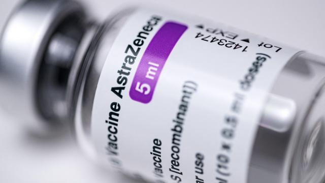Kanada AstraZeneca aşısını askıya aldı