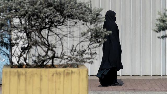 Sri Lankalı Müslümanlar burka yasağı önerisine tepkili