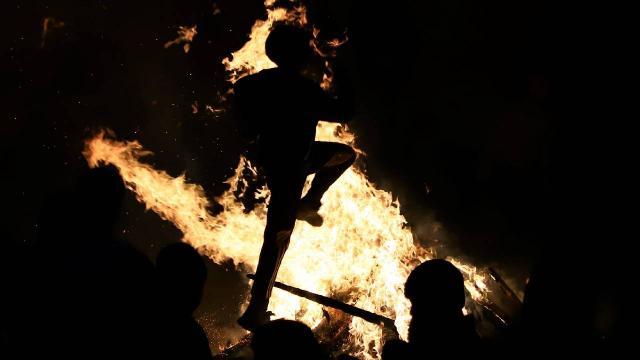 """İranda """"Çarşamba Suri"""" kutlamaları: 6 kişi ölü, 331 kişi yaralı"""