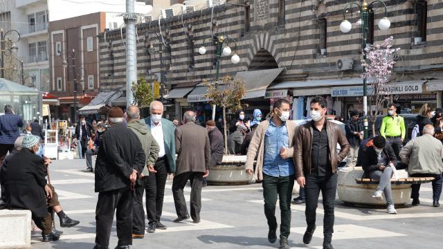 Diyarbakır renginde ısrar etti: Vaka sayısı düştü
