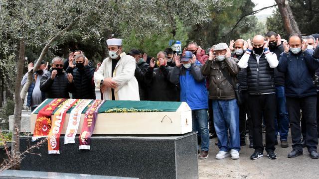 Erhan Önal İzmirde toprağa verildi