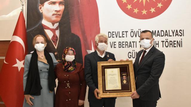 Gümüşhanede bir gaziye Devlet Övünç Madalyası takdim edildi
