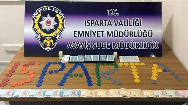 Ispartada kumar oynayan 8 kişiye 34 bin 552 lira ceza