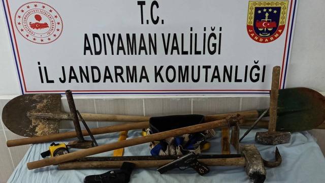 Adıyamanda kaçak kazı yapan 7 kişi yakalandı
