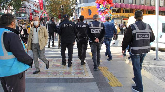 Kocaelide tedbirlere uymayan 377 kişiye para cezası
