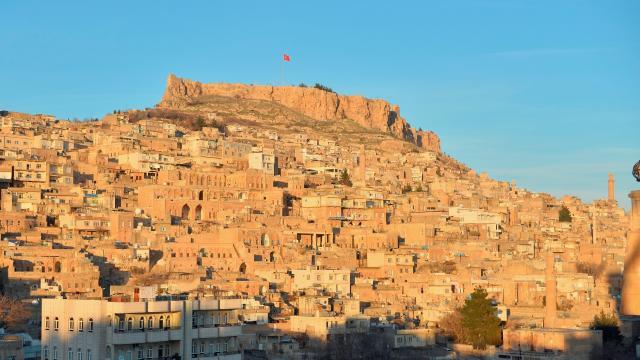 Tarihi kent Mardinde, turizm sezonunun heyecanı yaşanıyor