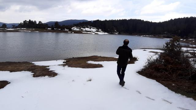 Sakaryanın Karagöl Yaylasında iki mevsim bir arada yaşanıyor