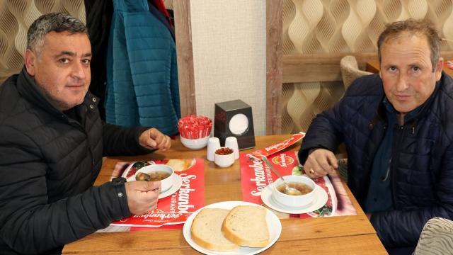 Sivasta lokantalarda müşterilere üzüm hoşafı ikram edildi