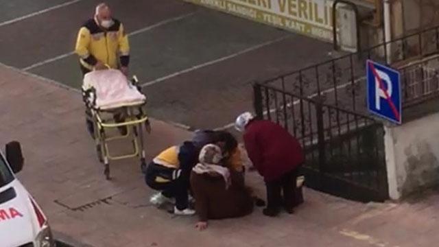 Yabancı uyruklu kadın sokak ortasında doğum yaptı
