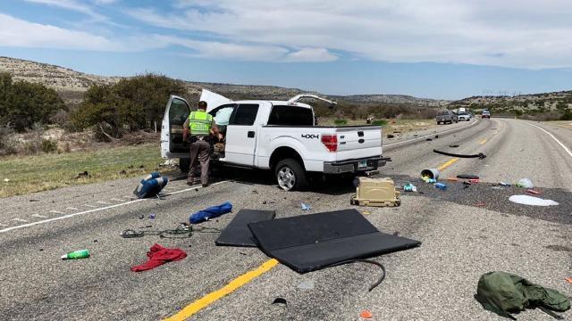 ABDde göçmen taşıyan kamyonet kaza yaptı: 8 ölü