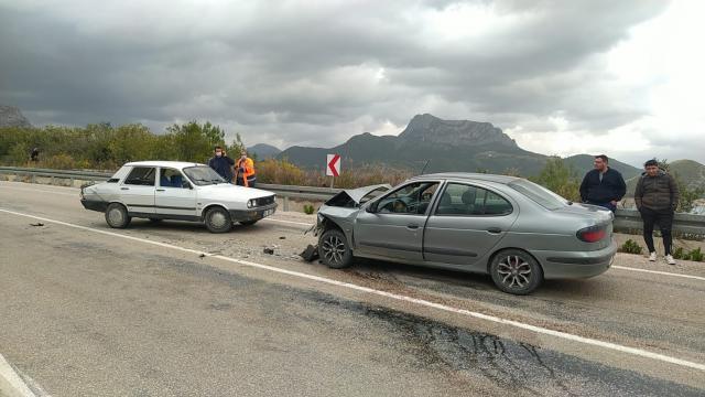 Adanada trafik kazasında 1 kişi yaralandı