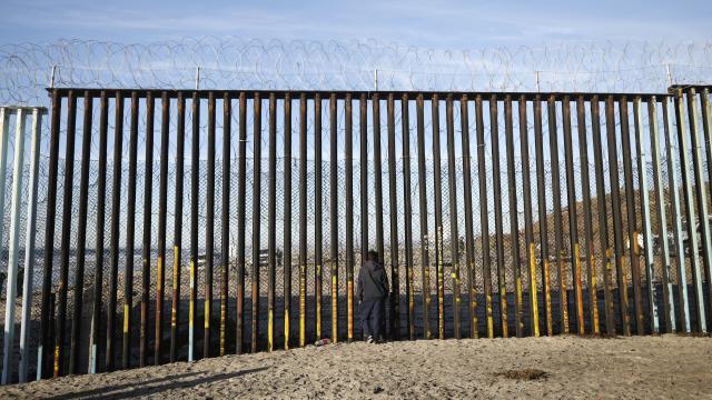 ABDdeki refakatsiz yasa dışı göçmen çocuk sayısı 15 bini geçti