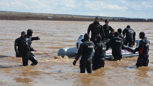 Şanlıurfada gölette kaybolan 2 kişinin cansız bedenine ulaşıldı