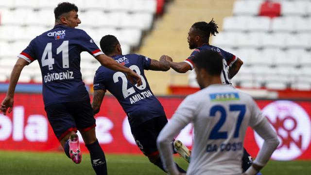 Antalyaspor ikinci yarıda açıldı