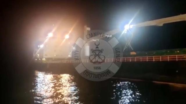 Bozcaada açıklarında kuru yük gemisi karaya oturdu
