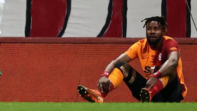 Galatasaray savunmada sorun yaşıyor