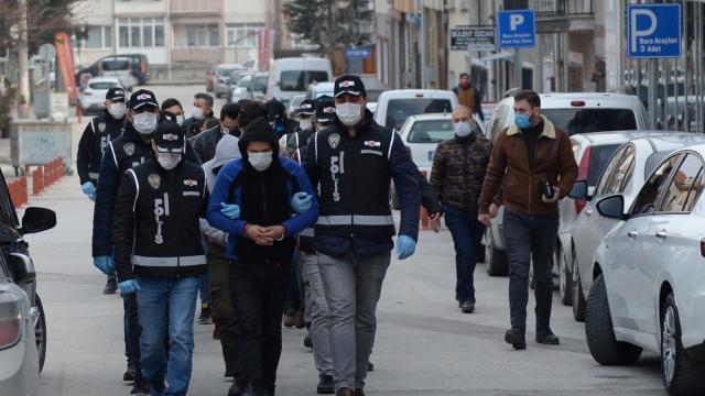 Samsunda çeşitli suçlardan aranan 84 şüpheli yakalandı